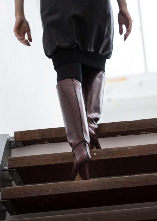 Mira knee high boots bordeaux