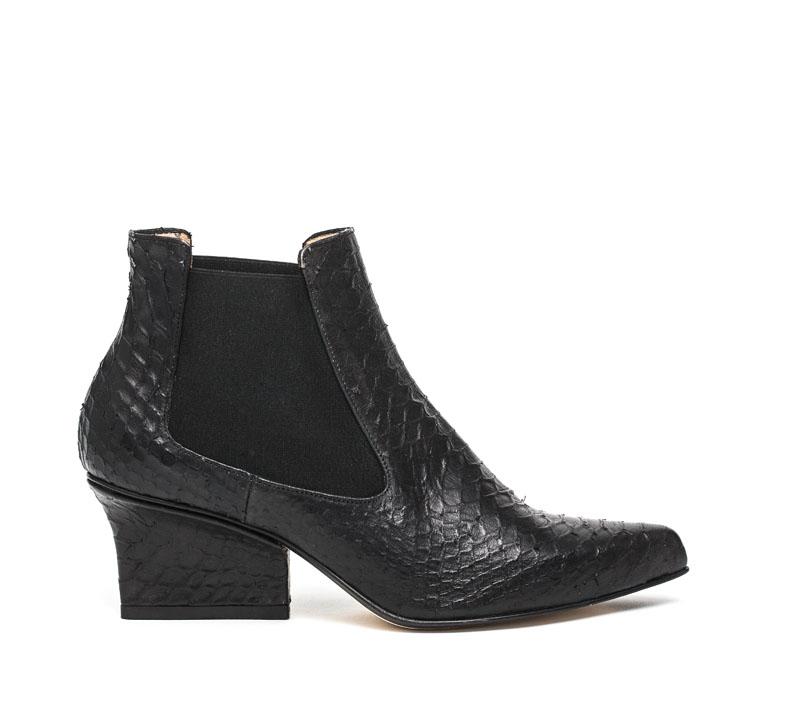 Nena chelsea boots black python