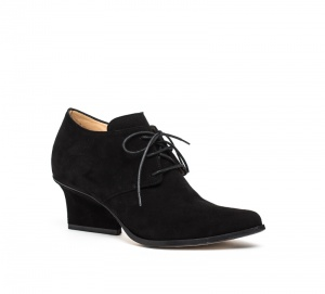 Joan lace-ups black