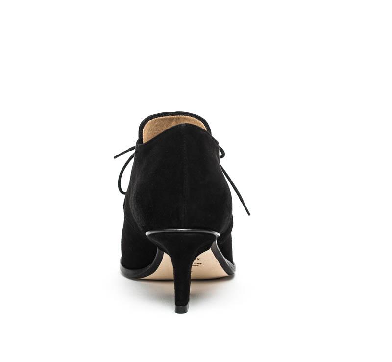 Joan lace-ups black