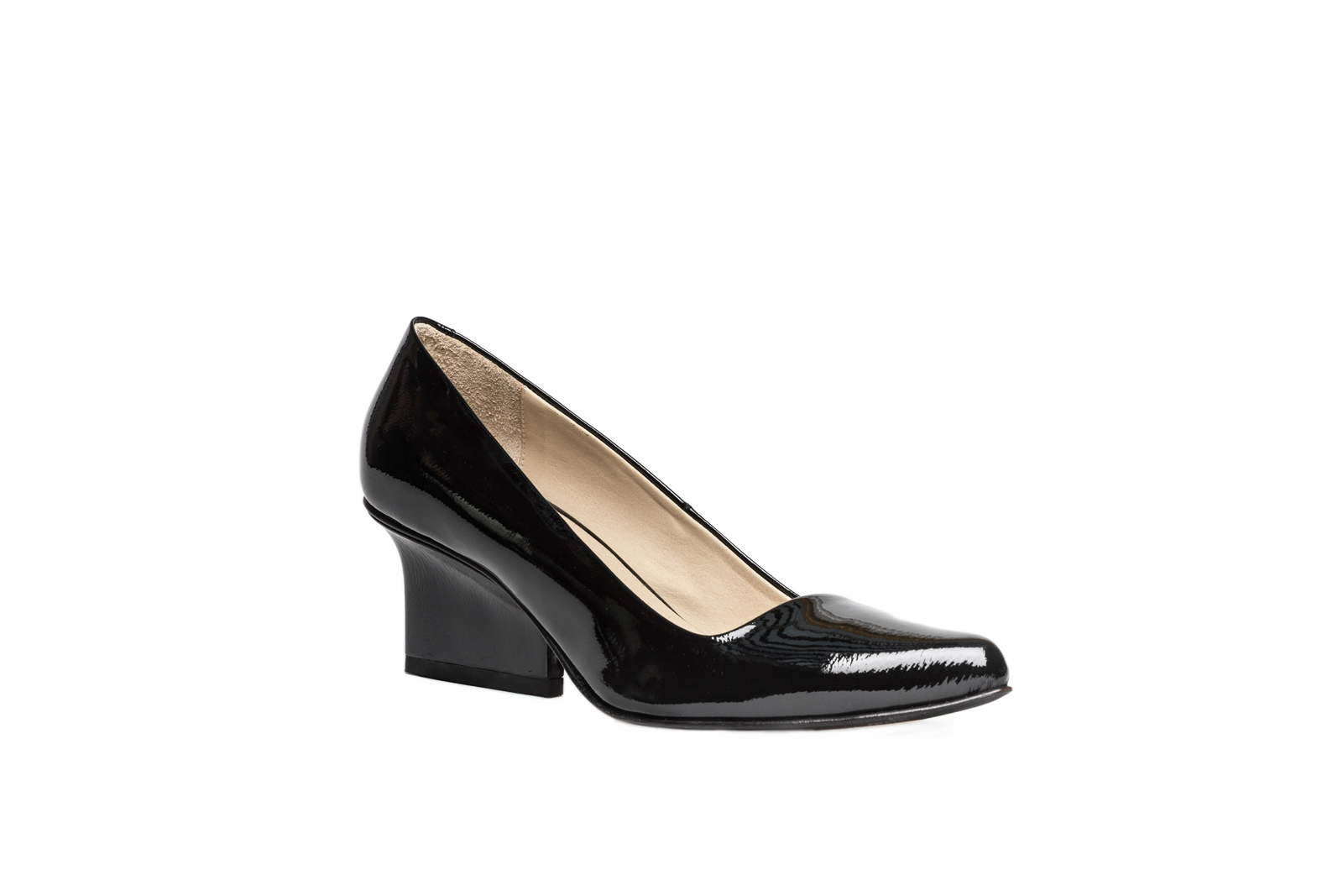 EIJK Jo pumps black patent leather angle