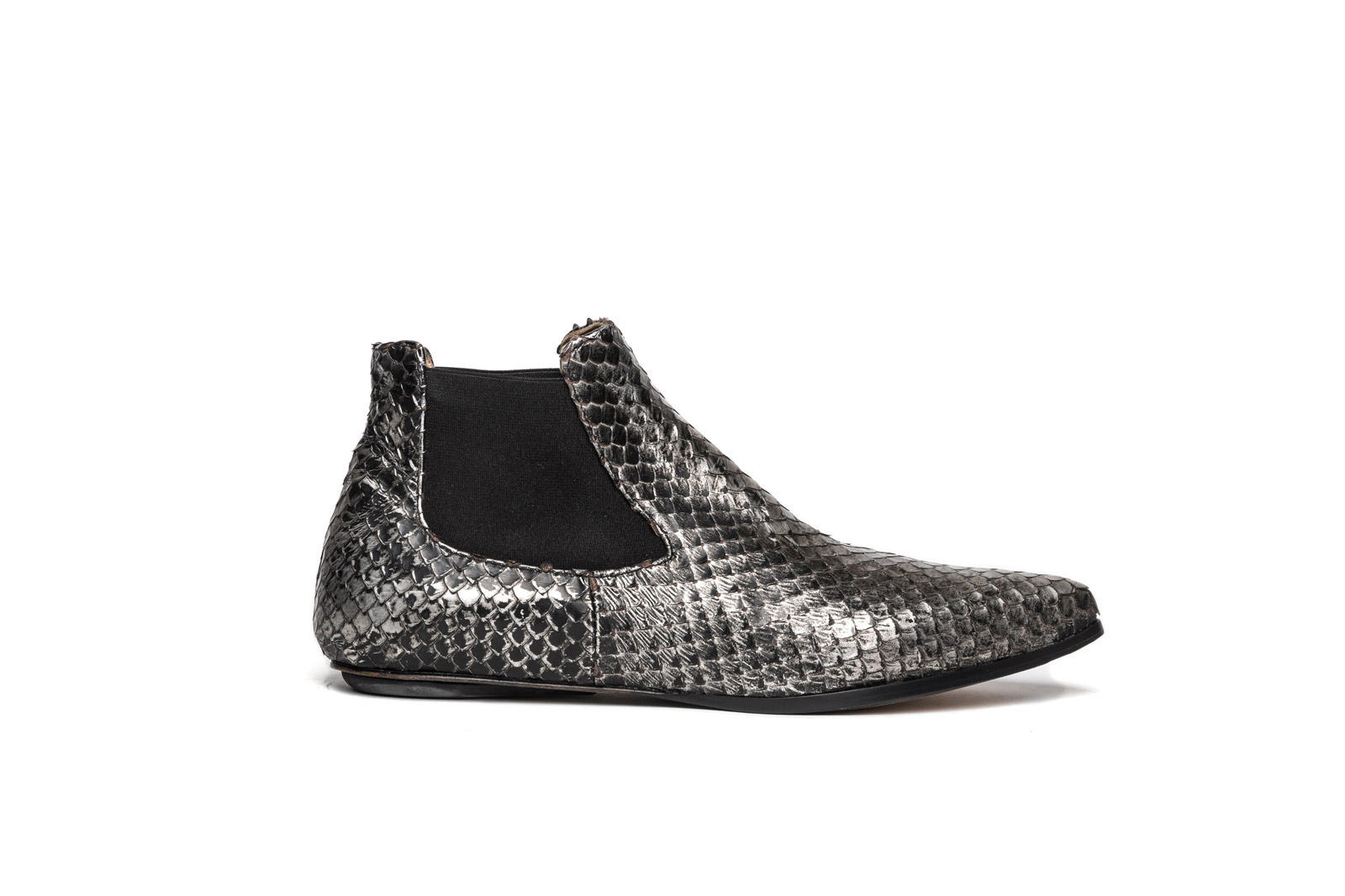 Niki chelsea boots silver washed python